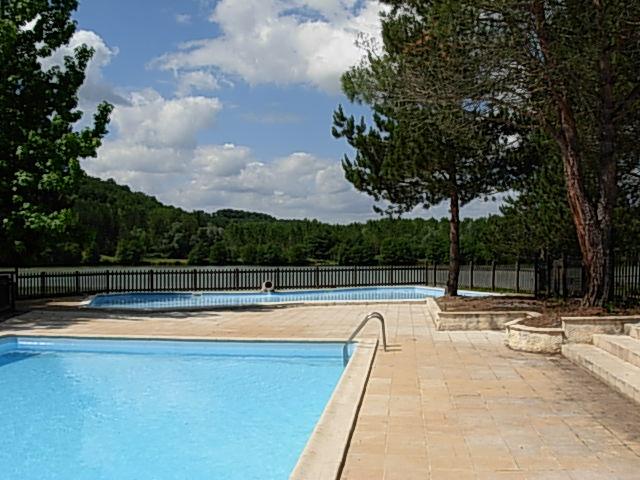 Camping Lot avec piscine